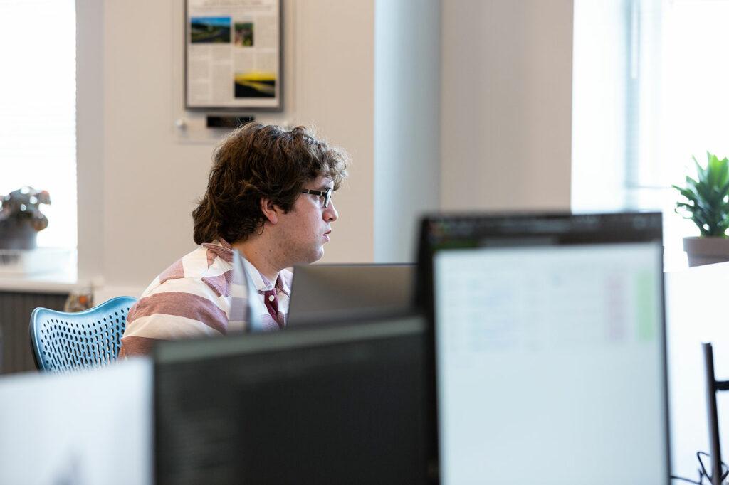 Core10 employee utilizing SAAS implementation best practices